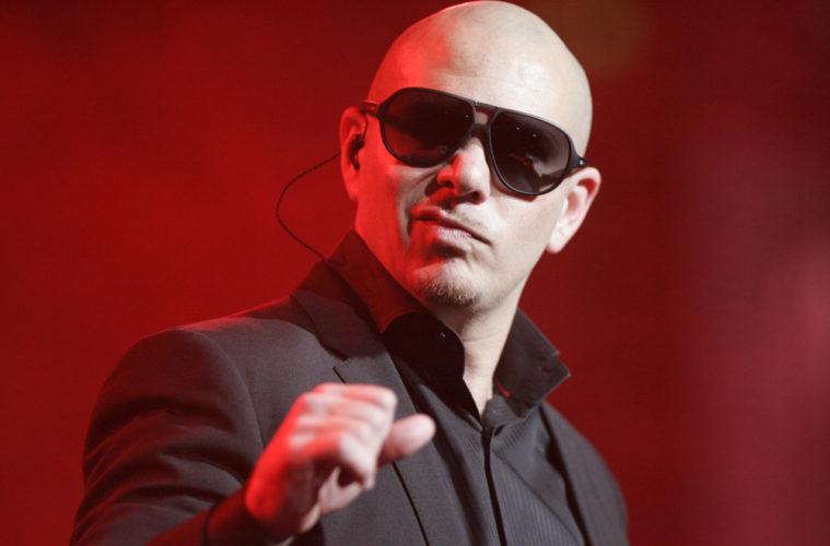 """夜店天王 Pitbull(嘻哈鬥牛梗)的 """"I Feel Good"""" 巡迴演唱會,將把爾灣變成最大戶外夜店"""
